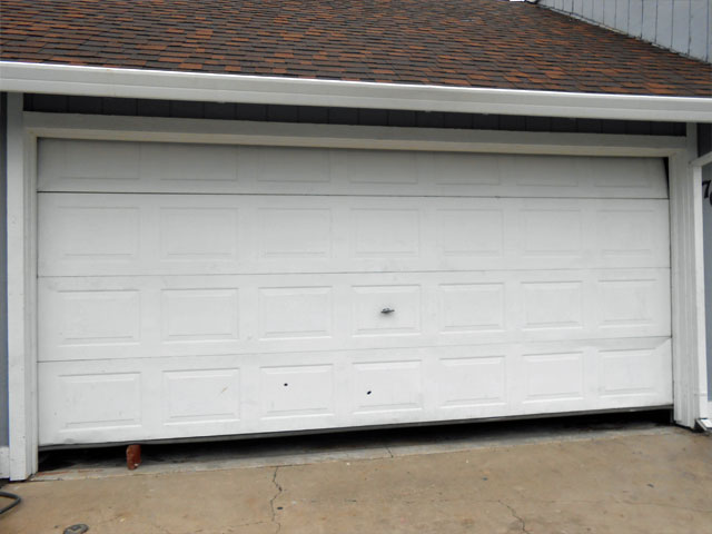 Garage door repair garage door repair service in sacramento for Garage door installation jobs